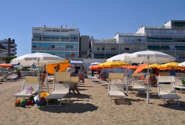 sabbiadoro consorzio spiaggia viva 39 cuore di lignano